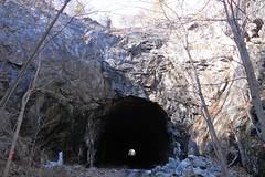 Roseville Hill, Southwest (kleepet) Tags: railroad newjersey hiking nj tunnel dlw sundaydrive skylands byram sussexcounty lackawannarailroad lackawannacutoff rosevilletunnel delawarelackawannaandwesternrailroad delawarelackawannaandwestern newjerseycutoff hopatcongslatefordcutoff lackawannahighline rosevillehill
