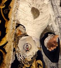 Real Cofradía del Prendimiento del Señor y del Dolor de la Madre de Dios (PeinetayMantilla) Tags: zaragoza corona aragon virgen corazon semanasanta 2012 dolorosa manto