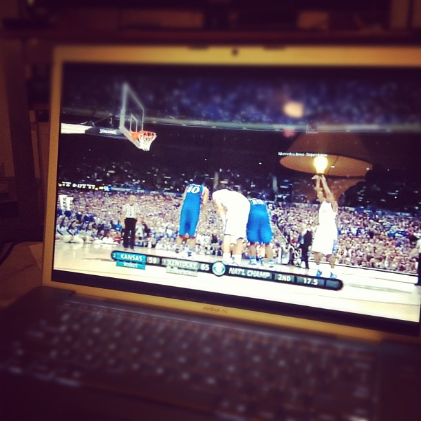 Watching my Wildcats Win #NCAA #kentucky #kansas #basketball