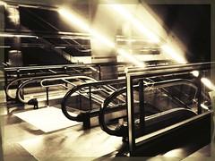 Madrid's metro (sergio.pereira.gonzalez) Tags: madrid blancoynegro blackwhite spain noiretblanc metro samsung espana espagne nuevosministerios sergiopereiragonzalez httpfocale3fr