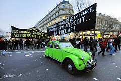 2009-01-29-Manifs@Paris-109_resize (gaelic 69) Tags: paris photography photo photographer photographie protest social demonstration strike bourse demonstrations militant politique protests fo sdf crisis gaelic sarkozy greve manif manifestation sud syndicate sans defile crs militants photographe manifestations cgt cfdt gouvernement retraite crise chomeur chomage logis syndicat protestation chomeurs manifestants contestation syndicats retraites banderoles manifs cftc reforme greviste syndical chienlit revegenerale gaelicfr gaelic69 gaelicphotographe gaelicphotographer gaelicphotographies