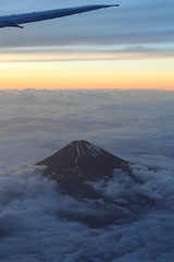 Flying by (Teruhide Tomori) Tags: sky mountain japan clouds plane airplane evening ana   mtfuji jetplane