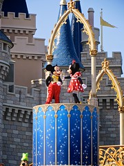 IMG_1646 (AlexGoldman) Tags: goofy canon orlando unitedstates florida magic dream july kingdom disney powershot disneyworld mickeymouse fl minniemouse wdw waltdisneyworld walt themepark magickingdom fantasyland 2012 orlandofl centralflorida orlandoflorida cinderellacastle baylake dreamalongwithmickey magickingdompark sx260 july2012 canonpowershotsx260 canonsx260