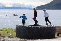 37020610.jpg (Tor Ivan Karlsen) Tags: sea people playing beach nature playground kids strand barn children outdoors kid sand child play outdoor natur playful stranden havet lek hav fjra unger dekk lekeplass mennesker karlsya sanden menneske utendrs karlsykommune