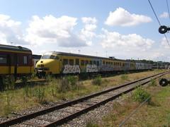 Plan T 526(Amersfoort 9-8-2012) (Ronnie Venhorst) Tags: plant train t ns plan emu 500 trein amersfoort 526 nsr loods terzijde werkplaats buitendienst afgevoerd