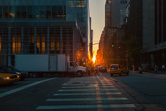 Descend (Standard Deluxe) Tags: street newyorkcity sunset sunlight building car truck automobile manhattan taxi pedestrian 24mm crosswalk passerby 24l canonef24mmf14liiusm