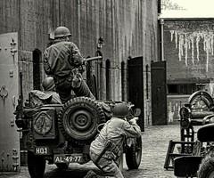 DSC09855 The battle rages on. (Reinardina) Tags: original netherlands vintage army jeep military battle ww2 soldiers uniforms reenactment 2us fortbijedam
