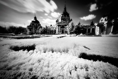 Szchenyi bath (Istvan Balatoni) Tags: bw building canon garden ir bath budapest palace infrared szchenyi canon450d tamron1024mm istvanbalatoni