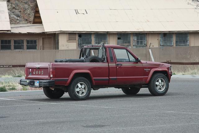 jeep mj pickup pioneer comanche