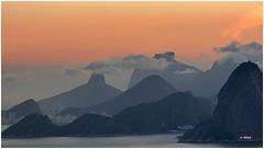 Montanhas (o.dirce) Tags: sunset sky mountain luz brasil riodejaneiro cu odirce