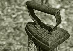 Altes Bgeleisen / old Iron (ostfriese77) Tags: old bw white black germany deutschland nikon iron outdoor alt sw deko niedersachsen d5100