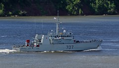 HMCS Goose Bay MM707 (Jacques Trempe 2,320K hits - Merci-Thanks) Tags: canada river bay marine ship quebec navy goose stlawrence stlaurent fleuve hmcs navire stefoy mm707