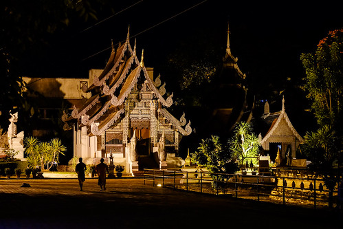 Monks at Wat Chedi Luang Worawihan