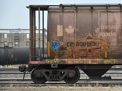Nektar (LadyBench) Tags: train graffiti winnipeg rail freight grom nektar fr8 benching