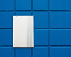 (juj ~) Tags: blue white grid 103 weeklykeeper signwithoutsignifier