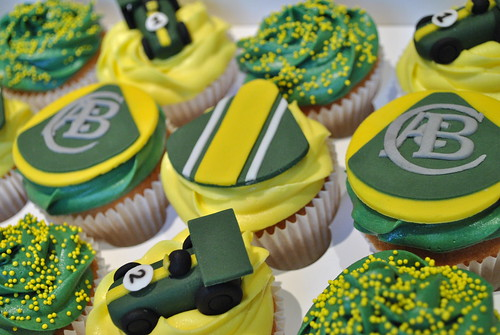 """Lotus themed cupcakes • <a style=""""font-size:0.8em;"""" href=""""http://www.flickr.com/photos/75246959@N05/7474334840/"""" target=""""_blank"""">View on Flickr</a>"""