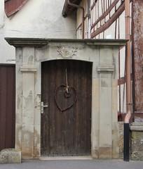 (:Linda:) Tags: germany bavaria village heart franconia thuringia doorway herz initial browndoor trappstadt unterland braunetr