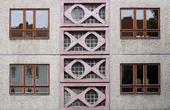 Symmetrie (mitue) Tags: berlin fenster architektur kpenick symmetrie urbanfragment kunstambau