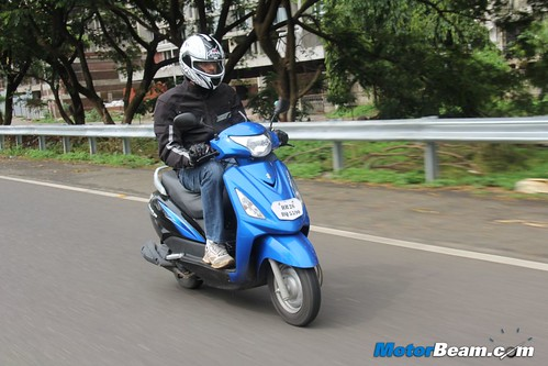 2012-Suzuki-Swish-06