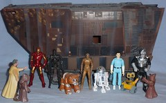 Droid Line (Darth Ray) Tags: new man wall hope iron alien line e r2d2 ash terminator r2 droid d2 c3po cylon droids daggot