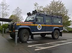 LAND ROVER 2006 DEFENDER 110 Td5 'BRAEMAR MOUNTAIN RESCUE' 003 (axisboldaslove1) Tags: landrover rangerover ejtcarpics braemarmountainrescue