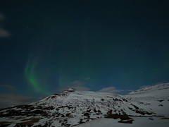 Et le spectacle commena (NT) Tags: winter light sky moon mountain snow ice night lune stars landscape frozen iceland hiver olympus aurora neige northern nuit zuiko auroraborealis omd borealis islande aurore icelandic 714 em1 borale northernlight auroreboreale 714mm islandais islandaise