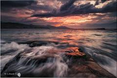Tormenta (Caramad) Tags: longexposure light sunset sea espaa seascape landscape mar agua rocks wave playa puestadesol olas bizkaia rocas marcantbrico ellastrn