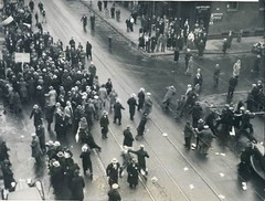 American communists attacking Ukrainians demonstrating against the Holodomor, 1933 [775  587] #HistoryPorn #history #retro http://ift.tt/1V1rA8Y (Histolines) Tags: history against retro american timeline attacking 1933 communists demonstrating  775 ukrainians vinatage 587 holodomor historyporn histolines httpifttt1v1ra8y