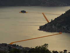 The Floating Piers (Riccardo Palazzani - Italy) Tags: italien bridge sunset italy orange lake art sol water del landscape soleil artwork opera italia tramonto sonnenuntergang arte piers coucher floating olympus du ponte claude puesta jeanne brescia  lombardia  italie paesaggio itlia omd christo riccardo arancione itali  em1 passerella  lombardie iseo darte italya   lombardei  montisola  sulzano  palazzani veridiano3