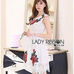 รหัสสินค้า : Mi150  ชื่อสินค้า : Nina Sweet Sexy 3D Red Roses Embroidered White Lace Dress  ราคา : 950.00 บาท   สั่งซื้อ   Lady Nina Sweet Sexy 3D Red Roses Embroidered White Lace Dress เดรสผ้าลูกไม้สีขาวปักลายดอกกุหลาบสีแดงสไตล์เซ็กซี่อมหวาน ตัวนี้เหมาะก