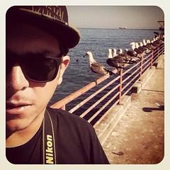 Myself (@maurourrutia) Tags: chile myself valparaiso mar agua nikon autoretrato cielo pajaro mauro oceano iphone oceanopacifico
