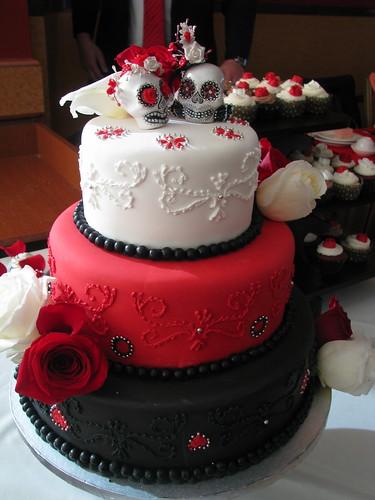 Dark theme wedding cake