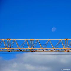 Blue Moon (Osvaldo_Zoom) Tags: blue moon gru canong7