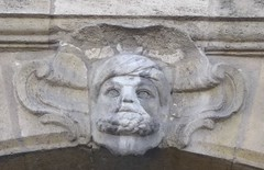 Mascaron, Quai Richelieu, Bordeaux, Gironde, Aquitaine, France. (byb64) Tags: sculpture face stone europa europe 33 pierre bordeaux eu quay escultura quai mascaron ue dcor ornement aquitaine gironde aquitania mascherone quairichelieu viasge