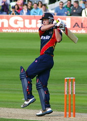 Tom Westley (Brighthelmstone10) Tags: sussex brighton hove bat bowl cricket bowling batting bowler essex wicket batsman t20 sussexsharks sussexcountycricketclub essexeagles smcpa300mmf4 essexcountycricketclub friendslifet20 tomwestley