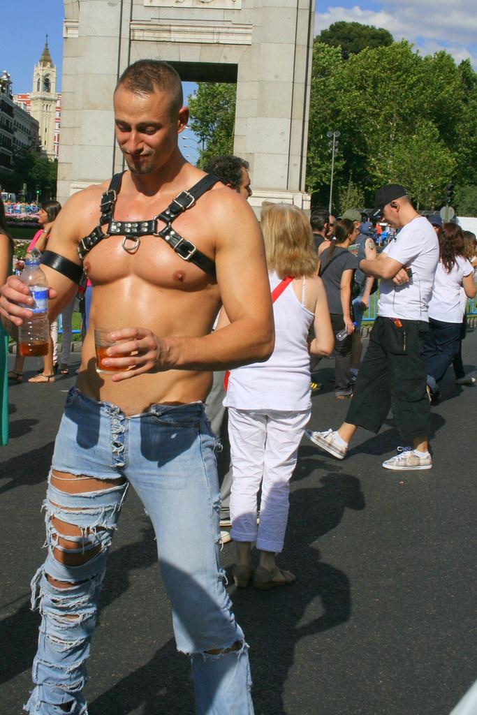 Pics Query Gay Hunk