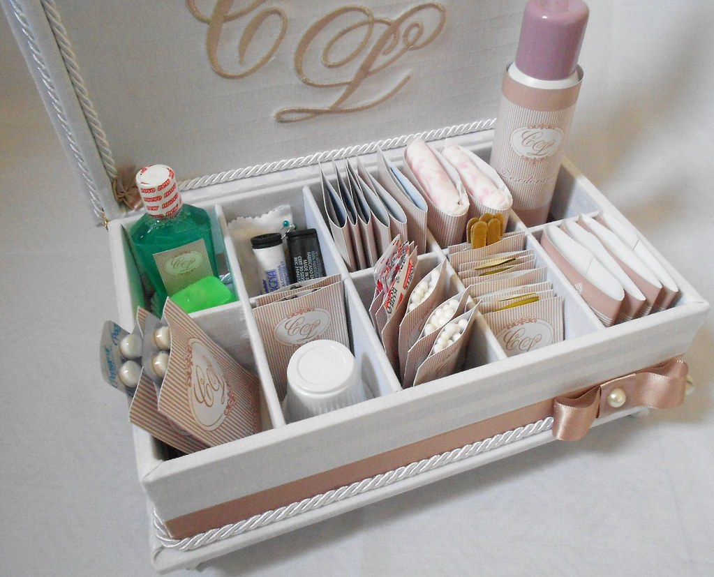 caixa forrada para kit de banheiro de festas de casamento (Divina  #1F6848 1024 827