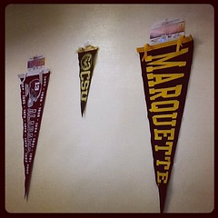 WorldED - เรียนภาษาอังกฤษกับ WorldED ท่ีเซ็นทรัล พระราม9  ธง มหาวิทยาลัยต่างๆ  ออฟฟิศ