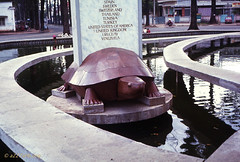Hồ con rùa, hình rùa ngày còn nguyên vẹn (manhhai) Tags: 1969 saigon
