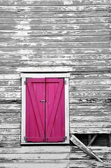 I Know (Luck-y) Tags: wood pink usa color window rose america nikon closed close florida miami rosa finestra keywest nikkor fentre bois legno floride 18105 amrique statiuniti ferm tatsunis d90 wonderfulworld colorselection nikond90 chuisa slctiondecouleur