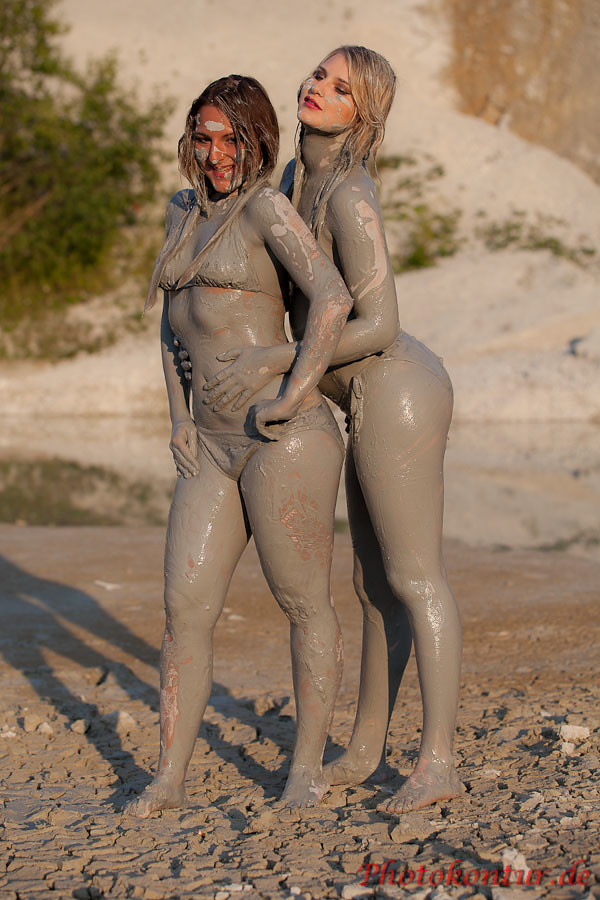 Hot Girls In Mud