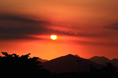 Let's dream... (Ruby Ferreira ) Tags: sunset silhouettes hills prdosol ontheroad riodejaneirorj notreatment nikond5000