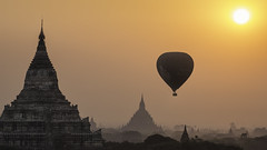 Balloon over Bagan (Oscar Tarneberg) Tags: sunrise canon temple burma stupa balloon hotairballoon myanmar plains bagan explored 5d3