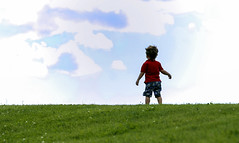 Freedom (Danny VB) Tags: sky childhood clouds canon freedom innocence skyandclouds 6d