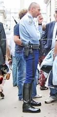 bootsservice 06 1167 (bootsservice) Tags: paris army uniform boots motorcycles motorbike moto motorcycle uniforms weston bottes motard motos arme uniforme gendarme motorcyclists motards gendarmerie uniformes gendarmes garde rpublicaine ridingboots
