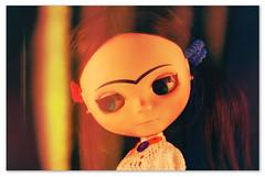 Frida em composição [3] pensativa