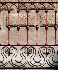 Barcelona - Mari Aguil 035 c (Arnim Schulz) Tags: barcelona espaa art texture textura architecture fence liberty spain arquitectura iron arte kunst catalonia artnouveau castiron gaud architektur catalunya deco espagne muster modernismo forged catalua spanien modernisme fer jugendstil wrought ferro eisen deko hierro dekoration decoracin espanya katalonien stilefloreale textur belleepoque baukunst gusseisen schmiedeeisen ferronnerie forjado forg ferdefonte