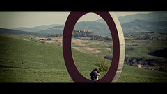 15/53   Circle (Orione59) Tags: street laura canon circle photography raw candid volterra streetphotography tuscany toscana cinematic ef24105f40l 5dmarkii orione1959 52weekofstreet