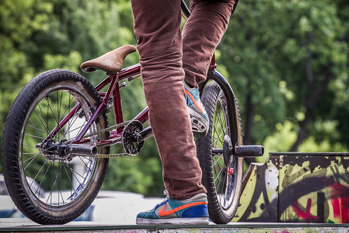 park cars bike bmx shoes nike cycle skate lithuania tyres swoosh