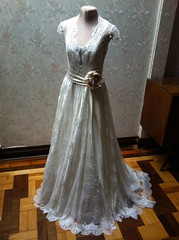 Vestido Grace Kelly especial (A MODISTA LOJA) Tags: wedding love beautiful modern vintage bride couple heart amor style valentine retro amour valentines romantic bouquet casamento bridal mariage casal namorados liebe noiva vintagestyle atelier fiancee bridalfashion retrostyle buquet mariee vestidodenoiva vintageweddingdress vintagewedding vestidovintage modernwedding casamentonafazenda casamentoaoarlivre retroweddingdress amodista vintagebridal retrowedding casamentonapraia vfashion casamentonocampo vestidoretro vestidadenoiva lojaamodista vestidonoiva atelieramodista moderncouple retrobride retrobridal atelierdenoiva vestidodenoivavintage noivavintage vintagemariage noivaretro casamentodiurno casamentonosito vestidodetule vewstidodenoivaretro noivatule vestidodenoivatule retrostylebride